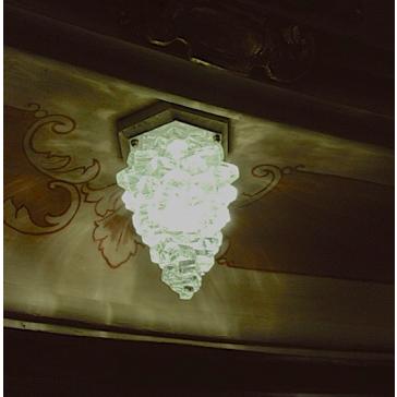 Plutôt que des spots classiques, adoptez des spots écologiques en verre recyclé
