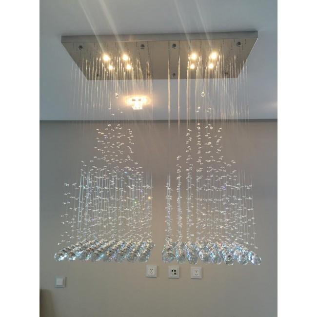 fontaine de lumi re et cristal en forme de pyramides de cristal swarovski luminaire. Black Bedroom Furniture Sets. Home Design Ideas