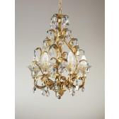 Magnifique lustre baroque, doré et rehaussé de perles de verre de Venise de couleur
