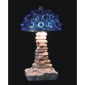 Lampe artisanale fabriquée à partir de verre recyclé, modèle bleu foncé